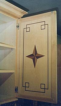 Detail - Einzelm�bel f�r Privatkunden mit Intarsien und Wurzelfurnier